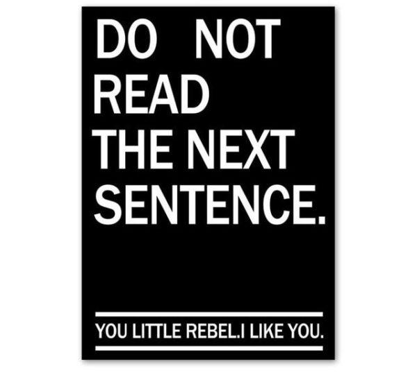 Plakat z napisem Do not read