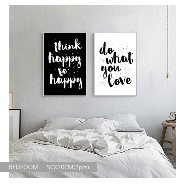Plakat z napisem Think Happy